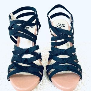 Seychelles 🐚 | Strappy Bow Sandals
